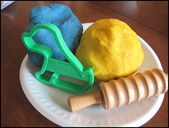 Homemade Playdough {Wednesdays with Wanda}