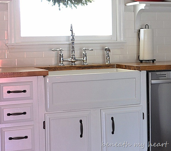 Fireclay Farmhouse Sinks {Durability and Quality}