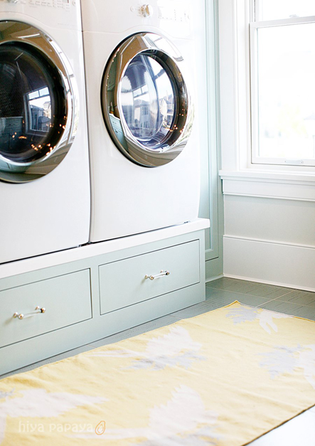 10 beautiful laundry rooms beneath my heart for Under cabinet washer and dryer