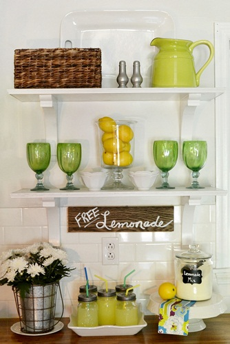 Summer Open Shelves in my Kitchen
