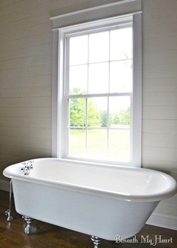 claw foot tub 043