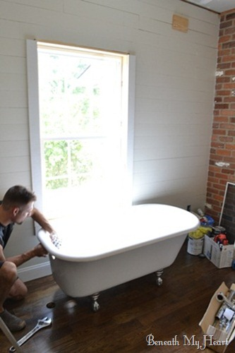How to Refinish an Antique Claw Foot Tub {Check out my New Tub ...