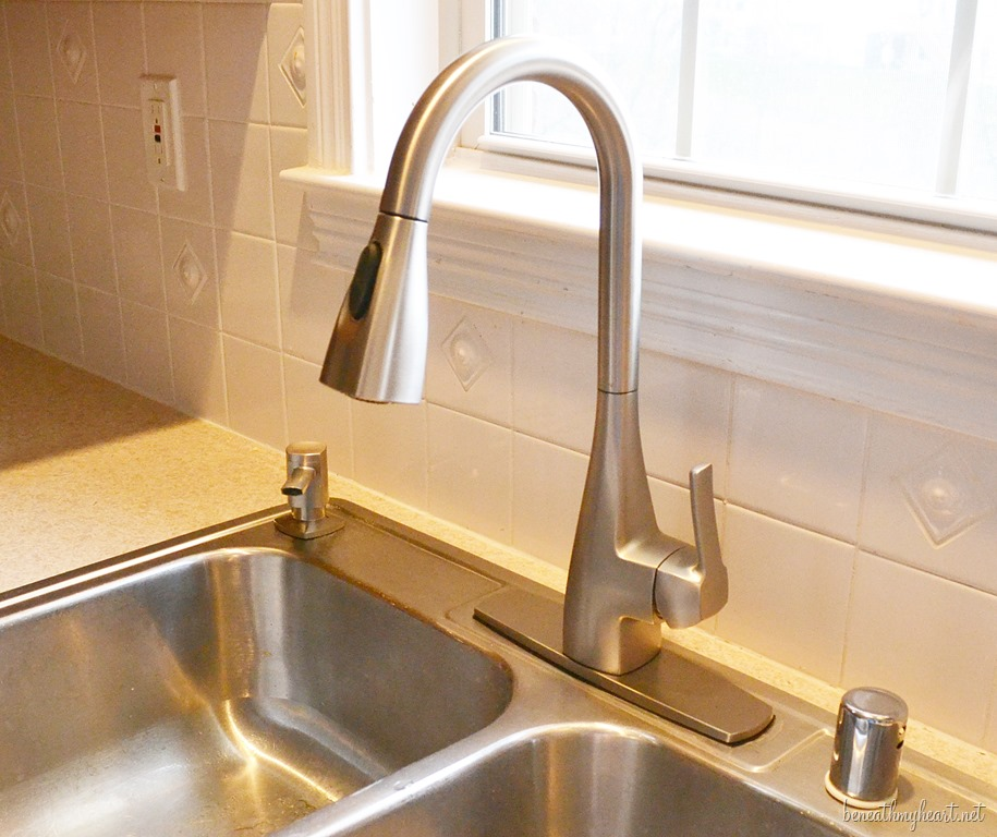 kitchen sink faucets at lowes - cleandus
