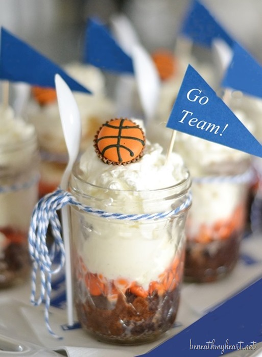 Traci's Buzzer Beater Brownie Sundaes!