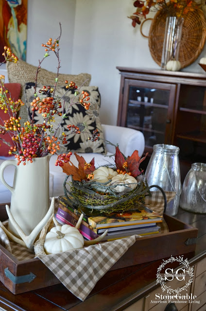 Fall+vignette+on+the+coffee+table+-+stonegableblog.com_