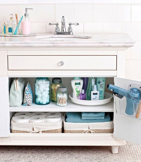 Tips And Tricks To Organizing Your Bathroom!