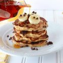 banana-chocolate-chip-pancakes-2-721x471