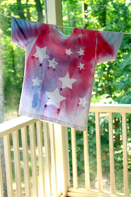 Spray Dyed T-shirts Tutorial!!  {Pretty Handy Girl}