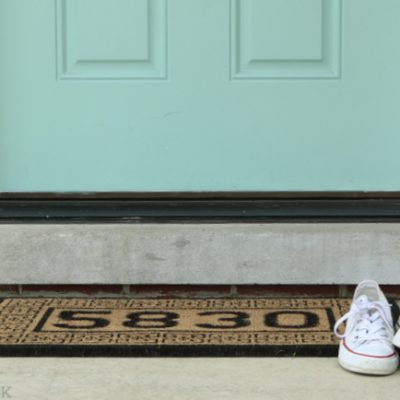 Personalized Door Mat in 10 Minutes! {DIY Playbook}