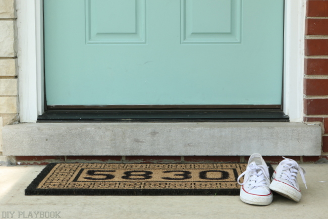 Personalized Door Mat in 10 Minutes! {DIY Playbook}