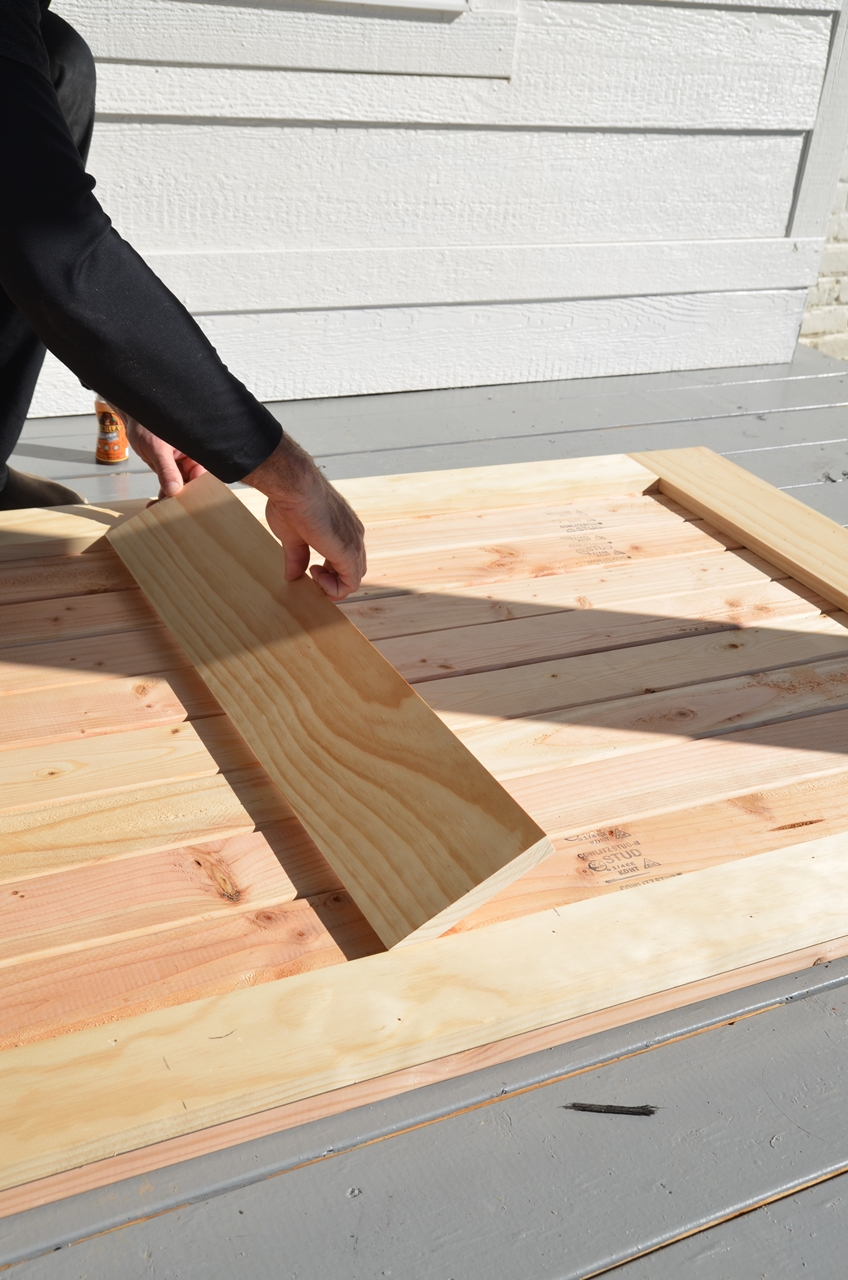 how to build a barn door