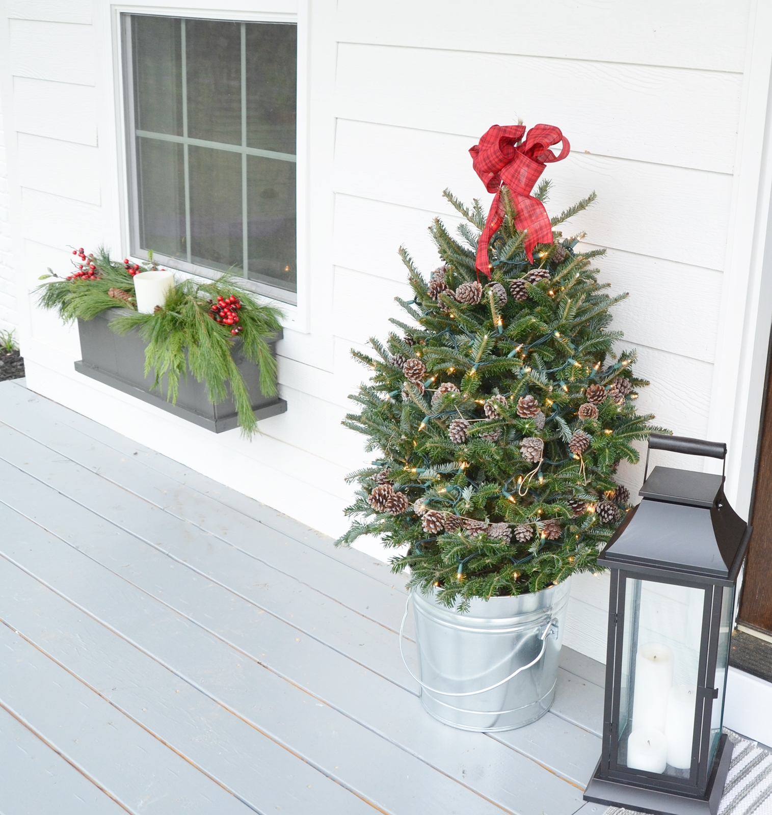farmhouse Christmas front porch