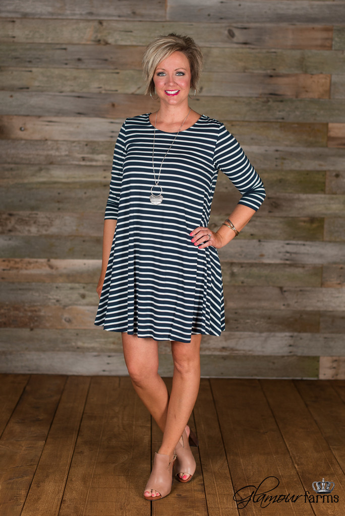 the-wynona-stripe-tunic-dress_navy-white_36_1_of_4_1024x1024
