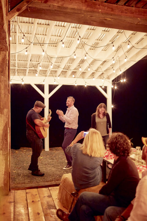 barn-party-music-0616