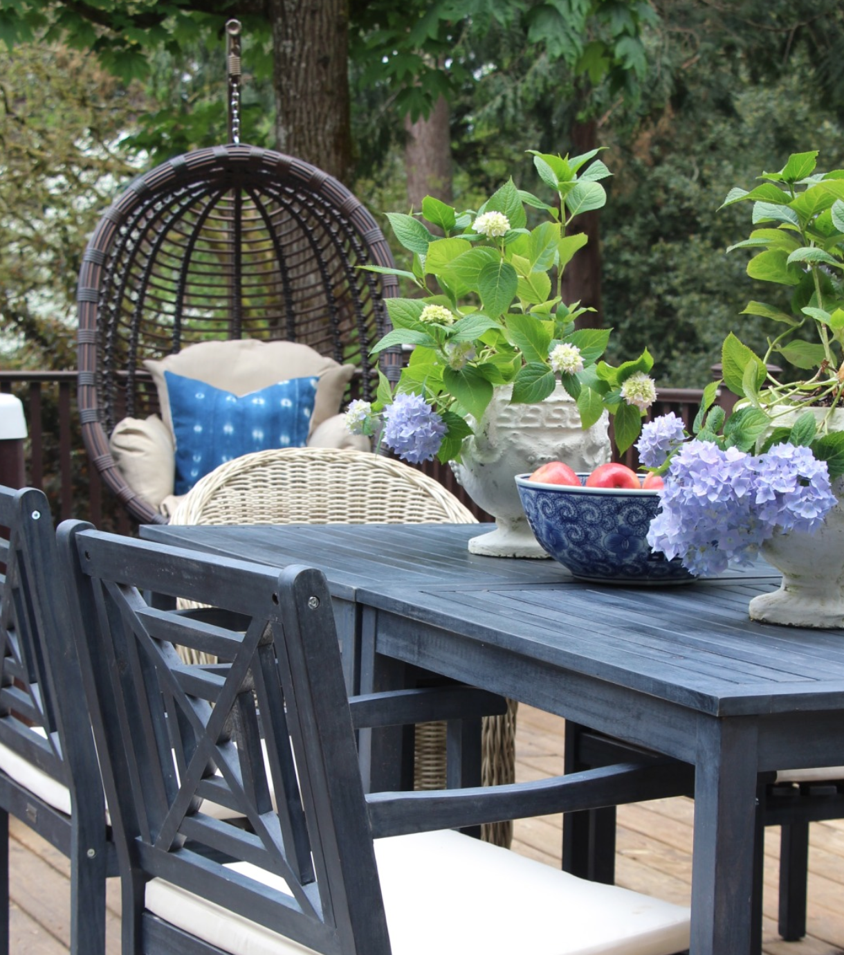 10 Beautiful Outdoor Makeovers {and sweet words from our girl!}