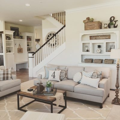 How to Style a Farmhouse Living Room