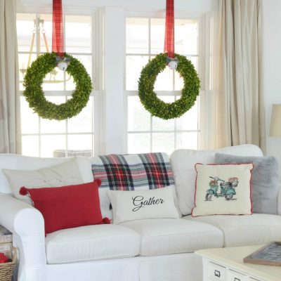 Our Christmas Family Room – {Farmhouse Holiday Series}