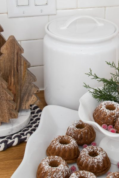 Simple Christmas Kitchen Decor